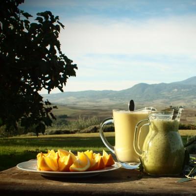 Frisk smoothie med spinat og appelsin