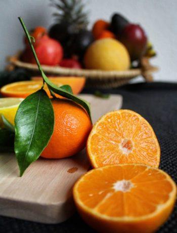 Klementin sitrus frukt på fjøl innendørs
