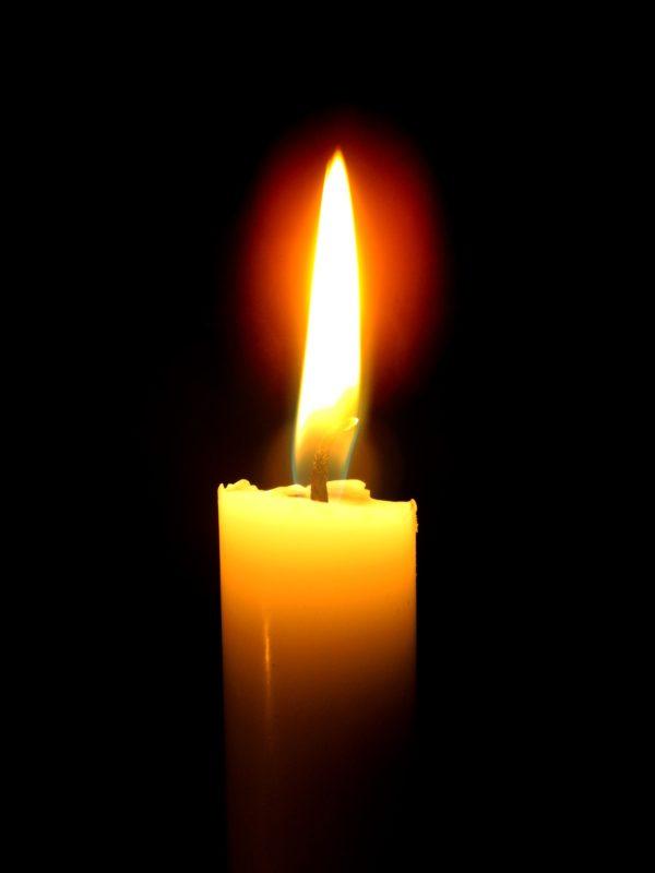 trataka stearinlys med flamme