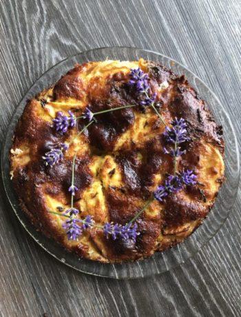 Eplekake med lavendel og olivenolje