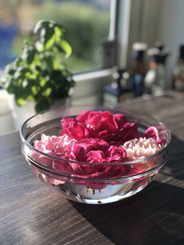 roser i skål